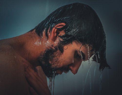 冷たいシャワーを浴びるだけでテストステロン値は上昇するのでしょうか?